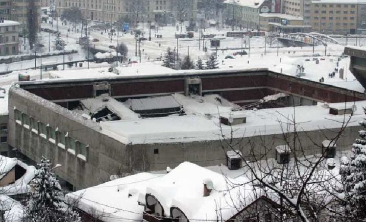 Sarajevski-krovovi-unutrašnjost-Ledene-dvorane-KSC-Skenderija-Sarajevo-februar-20121