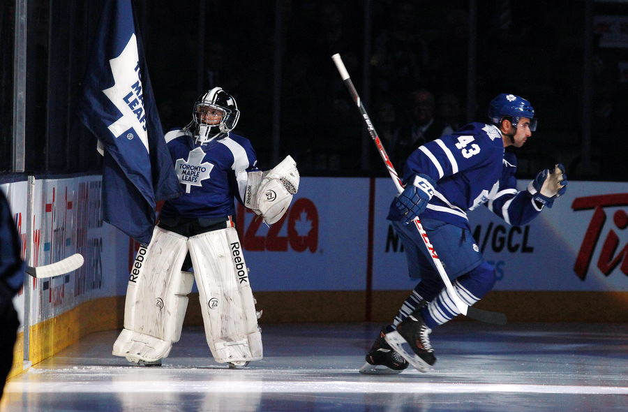 Toronto Maple Leafs play the Minnesota Wild